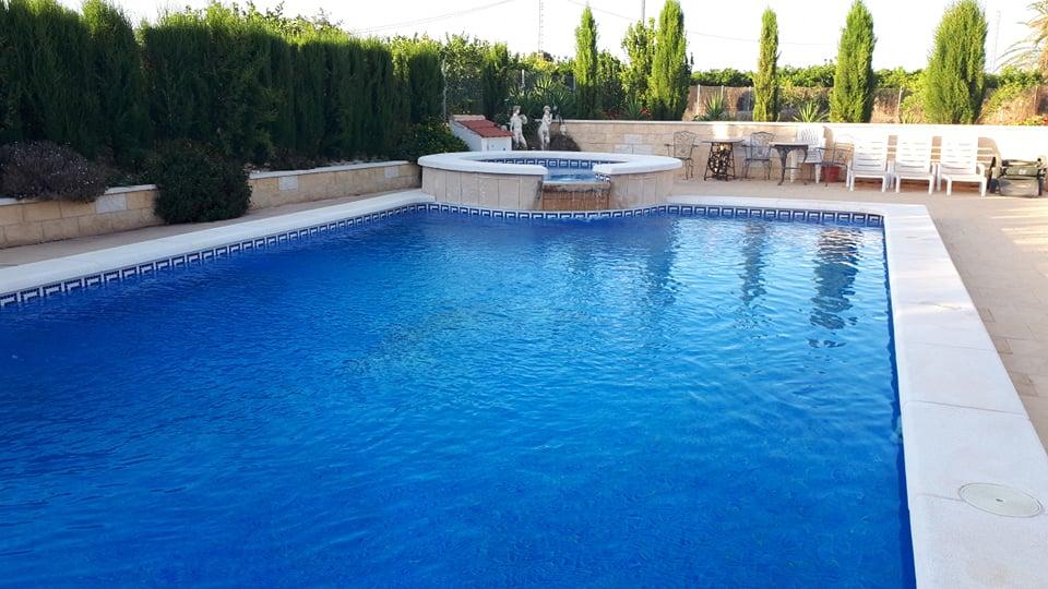 Albatera Mobile Home Park Swimming Pool